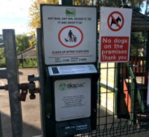 Your District Council is looking to help dog lovers in Matlock to clean up after their four-legged friends by trialling a new dog waste bag dispenser.
