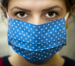 Which is best - a reusable covering or a disposable/single use face covering?