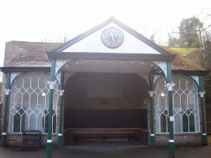 Matlock Bath Memorial Gardens shelter 300px