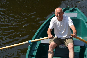 Paul Henshall rowing on the Derwent at Matlock Bath