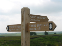 signpost for Pennine Bridleway 200 wide